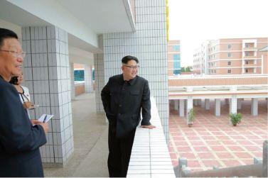 160703 - 조선의 오늘 - KIM JONG UN - Genosse KIM JONG UN besichtigte die neu errichtete Mittelschule für Waisen Pyongyang - 05 - 경애하는 김정은동지께서 새로 건설된 평양중등학원을 현지지도하시였다