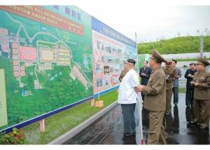 160706 - RS - KIM JONG UN - Genosse KIM JONG UN besichtigte den rekonstruierten Betrieb für Sumpfschildkrötenzucht Pyongyang - 01 - 경애하는 김정은동지께서 우리 나라 양식공장의 본보기, 표준으로 전변된 평양자라공장을 현지지도하시였다