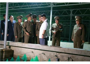 160706 - RS - KIM JONG UN - Genosse KIM JONG UN besichtigte den rekonstruierten Betrieb für Sumpfschildkrötenzucht Pyongyang - 02 - 경애하는 김정은동지께서 우리 나라 양식공장의 본보기, 표준으로 전변된 평양자라공장을 현지지도하시였다