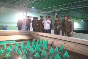 160706 - SK - KIM JONG UN - Genosse KIM JONG UN besichtigte den rekonstruierten Betrieb für Sumpfschildkrötenzucht Pyongyang - 02 - 경애하는 김정은동지께서 우리 나라 양식공장의 본보기, 표준으로 전변된 평양자라공장을 현지지도하시였다