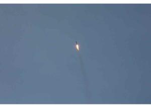 160720 - RS - KIM JONG UN - Marschall KIM JONG UN begutachtete eine Raketenschießübung der Artillerie - 04 - 경애하는 김정은동지께서 조선인민군 전략군 화성포병부대들의 탄도로케트발사훈련을 지도하시였다