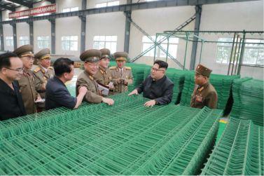 160727 - 조선의 오늘 - Genosse KIM JONG UN besuchte das Baumaterialienkombinat Chollima - 10 - 경애하는 김정은동지께서 천리마건재종합공장을 현지지도하시였다