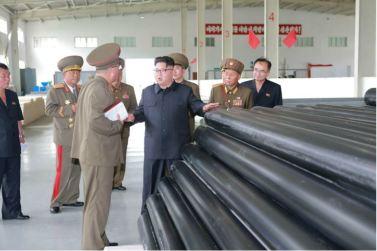 160727 - 조선의 오늘 - Genosse KIM JONG UN besuchte das Baumaterialienkombinat Chollima - 12 - 경애하는 김정은동지께서 천리마건재종합공장을 현지지도하시였다