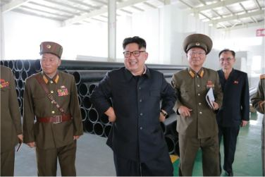 160727 - 조선의 오늘 - Genosse KIM JONG UN besuchte das Baumaterialienkombinat Chollima - 15 - 경애하는 김정은동지께서 천리마건재종합공장을 현지지도하시였다