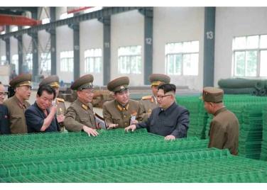 160727 - RS - Genosse KIM JONG UN besuchte das Baumaterialienkombinat Chollima - 08 - 경애하는 김정은동지께서 천리마건재종합공장을 현지지도하시였다