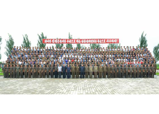 160727 - RS - Genosse KIM JONG UN besuchte das Baumaterialienkombinat Chollima - 21 - 경애하는 김정은동지께서 천리마건재종합공장을 현지지도하시였다