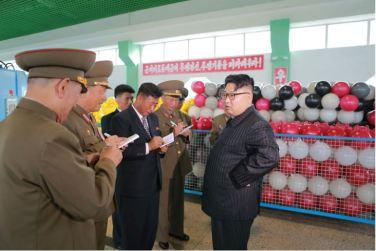 160730 - 조선의 오늘 - KIM JONG UN - Marschall KIM JONG UN besuchte das neue Fischfanggerätekombinat der Armee - 03 - 경애하는 김정은동지께서 새로 건설된 조선인민군 어구종합공장을 현지지도하시였다