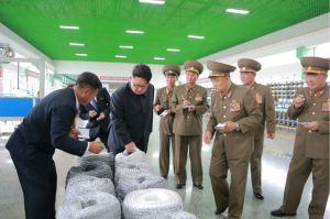 160730 - 조선의 오늘 - KIM JONG UN - Marschall KIM JONG UN besuchte das neue Fischfanggerätekombinat der Armee - 13 - 경애하는 김정은동지께서 새로 건설된 조선인민군 어구종합공장을 현지지도하시였다