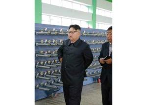 160730 - RS - KIM JONG UN - Marschall KIM JONG UN besuchte das neue Fischfanggerätekombinat der Armee - 07 - 경애하는 김정은동지께서 새로 건설된 조선인민군 어구종합공장을 현지지도하시였다
