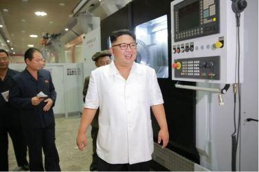 160810 - 조선의 오늘 - KIM JONG UN - Genosse KIM JONG UN besichtigte das Maschinenkombinat '18. Januar' - 01 - 경애하는 김정은동지께서 1월18일기계종합공장을 현지지도하시였다