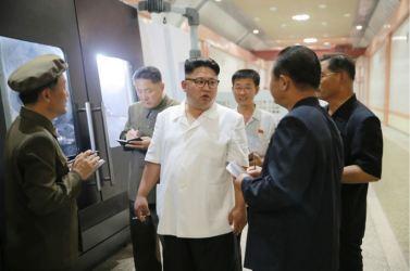 160810 - 조선의 오늘 - KIM JONG UN - Genosse KIM JONG UN besichtigte das Maschinenkombinat '18. Januar' - 02 - 경애하는 김정은동지께서 1월18일기계종합공장을 현지지도하시였다