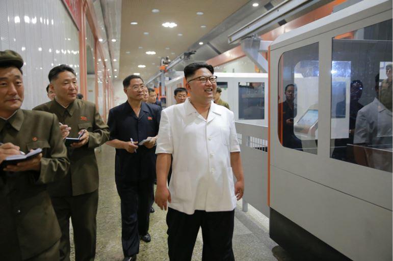 160810 - 조선의 오늘 - KIM JONG UN - Genosse KIM JONG UN besichtigte das Maschinenkombinat '18. Januar' - 03 - 경애하는 김정은동지께서 1월18일기계종합공장을 현지지도하시였다