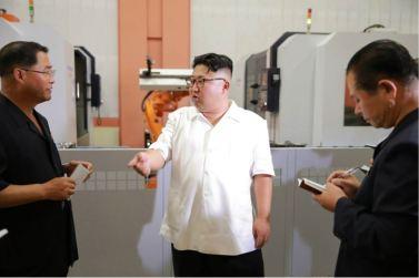 160810 - 조선의 오늘 - KIM JONG UN - Genosse KIM JONG UN besichtigte das Maschinenkombinat '18. Januar' - 06 - 경애하는 김정은동지께서 1월18일기계종합공장을 현지지도하시였다