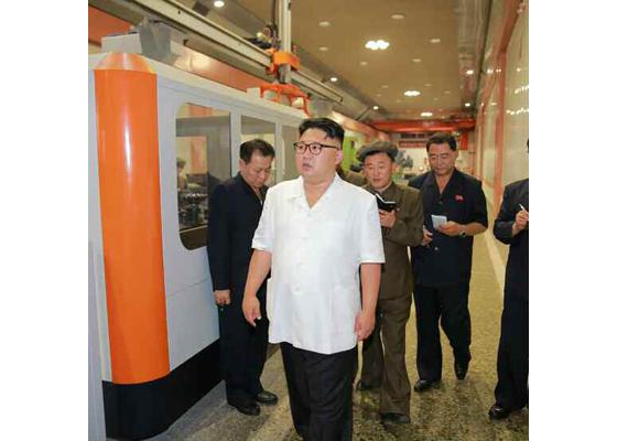 160810 - RS - KIM JONG UN - Genosse KIM JONG UN besichtigte das Maschinenkombinat '18. Januar' - 01 - 경애하는 김정은동지께서 1월18일기계종합공장을 현지지도하시였다