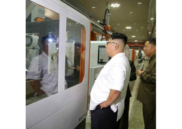 160810 - RS - KIM JONG UN - Genosse KIM JONG UN besichtigte das Maschinenkombinat '18. Januar' - 03 - 경애하는 김정은동지께서 1월18일기계종합공장을 현지지도하시였다