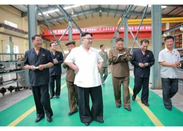 160810 - RS - KIM JONG UN - Genosse KIM JONG UN besichtigte das Maschinenkombinat '18. Januar' - 07 - 경애하는 김정은동지께서 1월18일기계종합공장을 현지지도하시였다