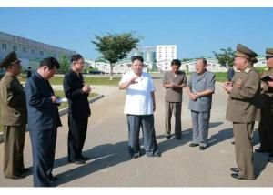160818 - RS - KIM JONG UN - Marschall KIM JONG UN besichtigte den Schweinezuchtbetrieb Taedonggang - 01 - 경애하는 김정은동지께서 대동강돼지공장을 현지지도하시였다