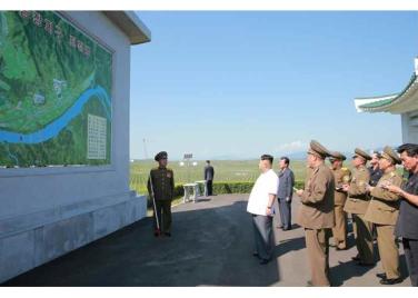160818 - RS - KIM JONG UN - Marschall KIM JONG UN besuchte das Obstbaukombinat Taedonggang - 06 - 경애하는 김정은동지께서 대동강과수종합농장을 현지지도하시였다
