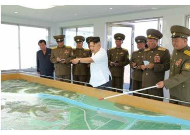 160818 - RS - KIM JONG UN - Marschall KIM JONG UN besuchte das Obstbaukombinat Taedonggang - 07 - 경애하는 김정은동지께서 대동강과수종합농장을 현지지도하시였다