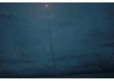 160825 - RS - KIM JONG UN - Marschall KIM JONG UN leitete das Unterwassertestschießen der ballistischen Rakete vom strategischen U-Boot - 04 - 주체조선의 핵공격능력의 일대 과시 경애하는 김정은동지의 지도밑에 전략잠수함 탄도탄수중시험발사가 성공적으로 진행되였다