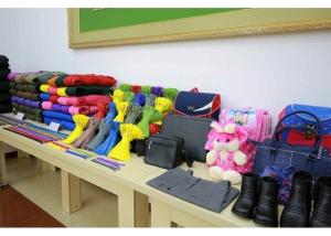 161007-rs-kim-jong-un-genosse-kim-jong-un-besichtigte-die-souvenirfabrik-der-historischen-revolutionaeren-gedenkstaette-mangyongdae-05-%ea%b2%bd%ec%95%a0%ed%95%98%eb%8a%94-%ea%b9%80%ec%a0%95