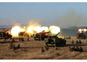 161202-rs-kim-jong-un-marschall-kim-jong-un-begutachtete-eine-grosse-kanonenfeueruebung-der-koreanischen-volksarmee-07-%ea%b2%bd%ec%95%a0%ed%95%98%eb%8a%94-%ea%b9%80%ec%a0%95%ec%9d%80