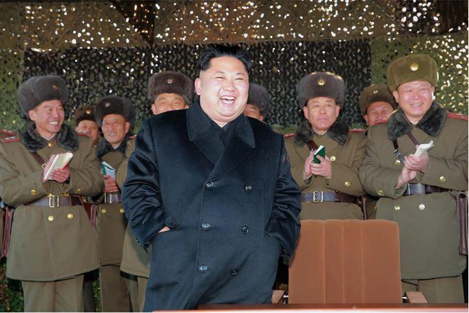 161202-sk-kim-jong-un-marschall-kim-jong-un-begutachtete-eine-grosse-kanonenfeueruebung-der-koreanischen-volksarmee-02-%ea%b2%bd%ec%95%a0%ed%95%98%eb%8a%94-%ea%b9%80%ec%a0%95%ec%9d%80
