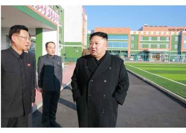 170202-rs-kim-jong-un-genosse-kim-jong-un-besichtigte-die-neu-errichtete-waisengrundschule-pyongyang-05-%ea%b2%bd%ec%95%a0%ed%95%98%eb%8a%94-%ec%b5%9c%ea%b3%a0%eb%a0%b9%eb%8f%84%ec%9e%90
